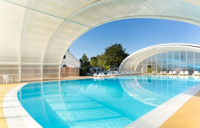 Camping bretagne avec piscine couverte camping finist re for Piscine bretagne sud