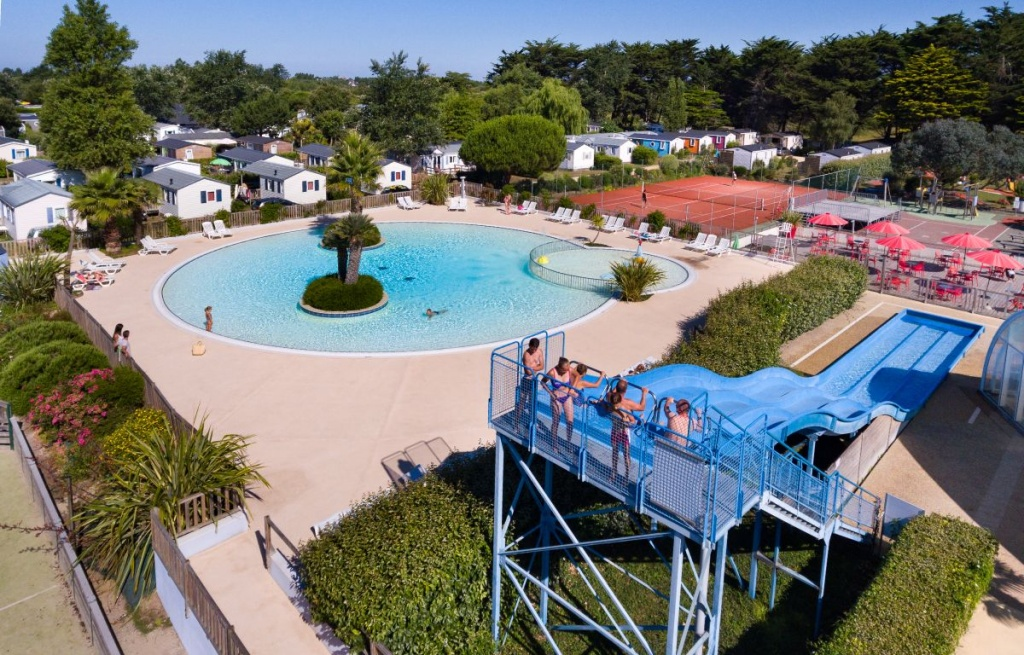 Camping en bretagne sud avec piscine et toboggan village for Camping en bretagne avec piscine