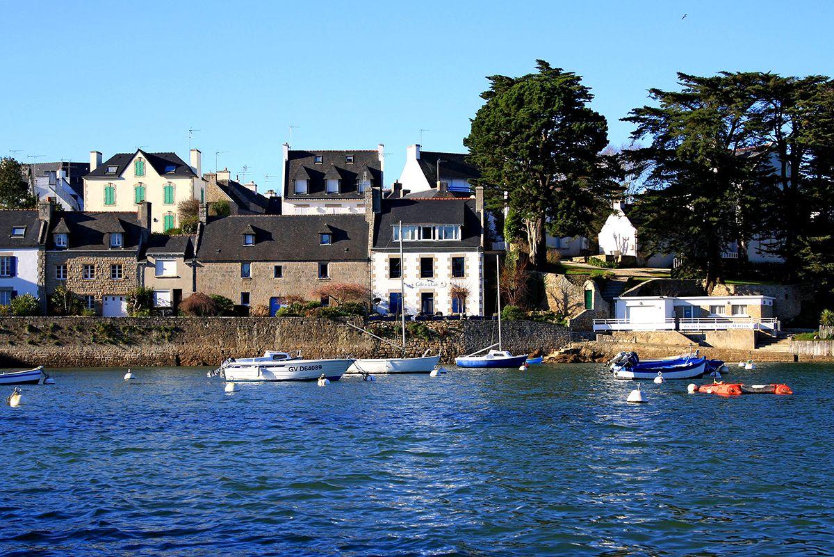 maisons sur la côte bretonne