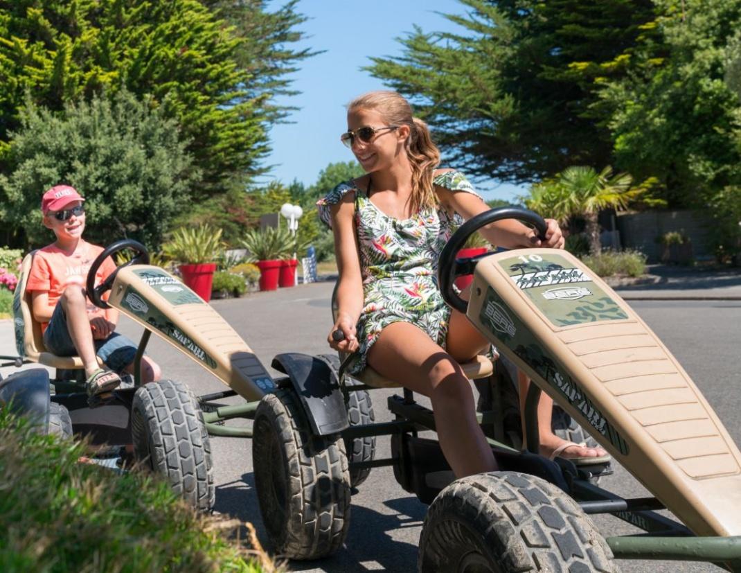 camping plage club kids 8-12-ans voiture à pédales