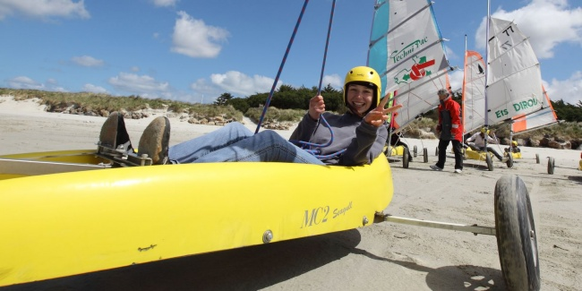 camping plage partenaires loisirs char à voile détail