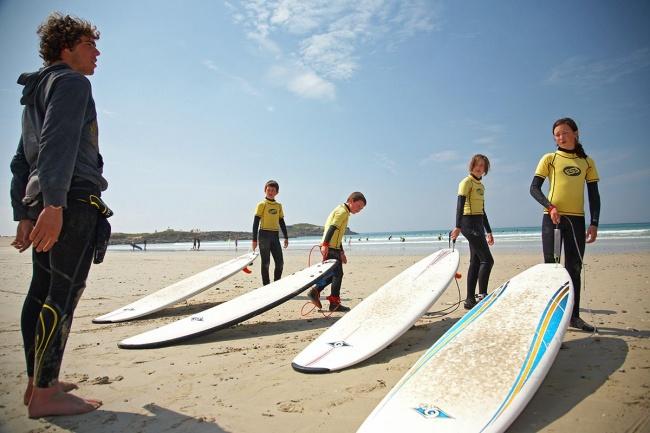 Camper près de Plomeur - école de surf