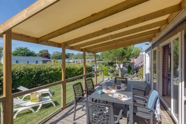Lodge panoramique premium 4 personnes - déjeuner en terrasse