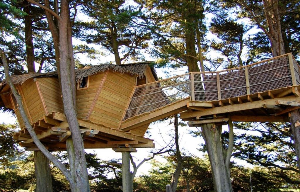 camping cabane dans les arbres cabane dans les arbres finist re sud cabane dans les arbres. Black Bedroom Furniture Sets. Home Design Ideas