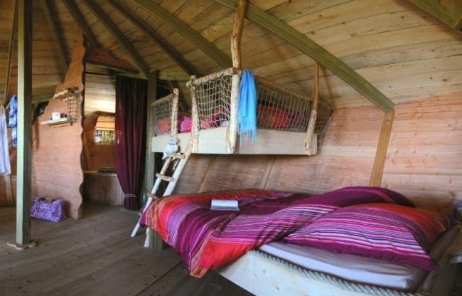 Cabane dans les arbres - côté chambre