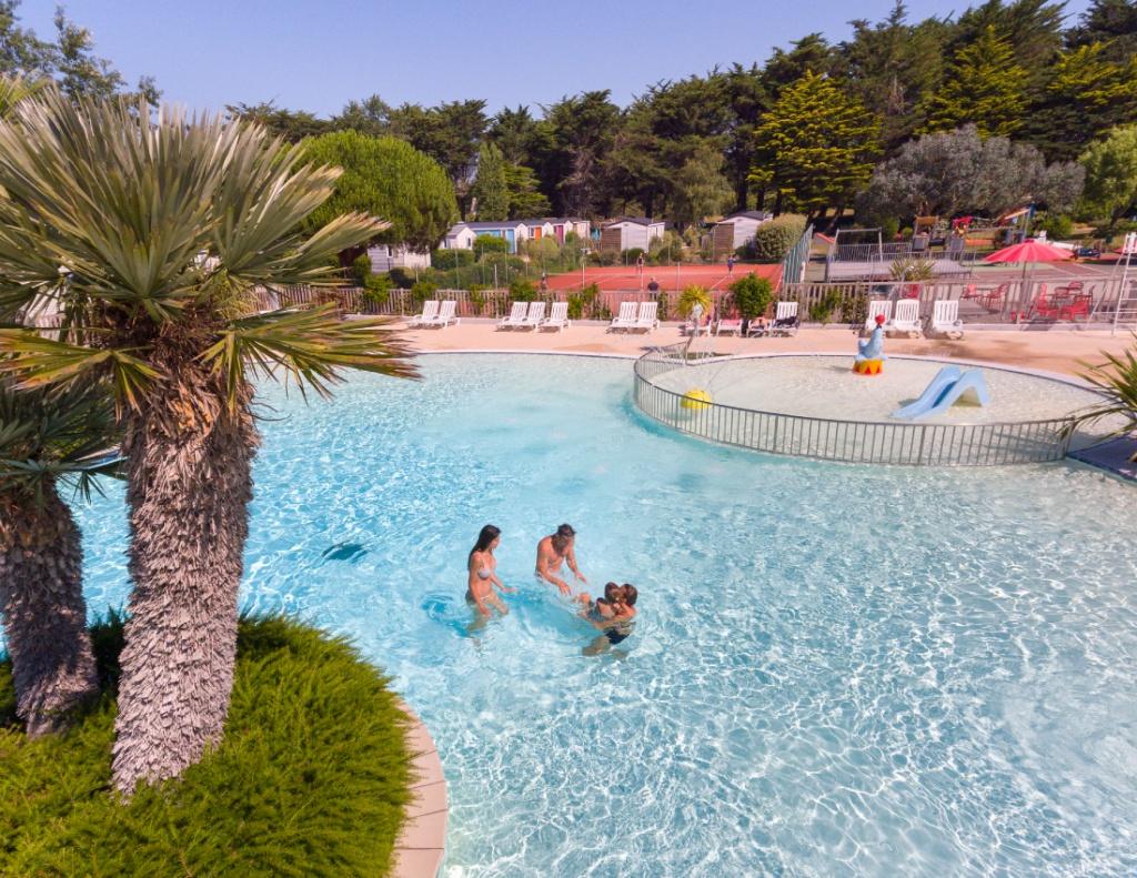 Image plage bretagne photos camping bretagne avec for Camping a marseillan plage avec piscine